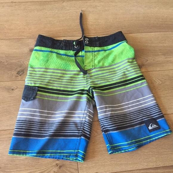 4f3a22cd0a Quiksilver Swim   Boys Size 8 Board Shorts 2223 Waist   Poshmark